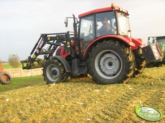 Ciągnik Farmer 8258