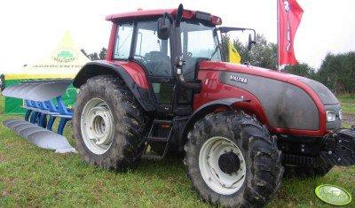 Valtra T150