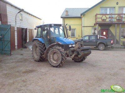 Ciągnik rolniczy New Holland TL100