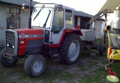 Traktor Massey Ferguson 690