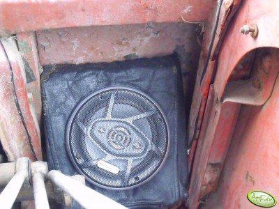 Głośnik w MTZ 82