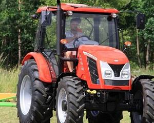 Nowe ciągniki rolnicze – rynek rośnie w marcu