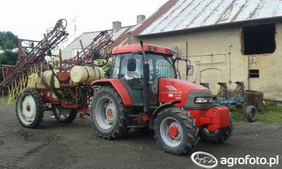 Traktor Mccormick cx 105