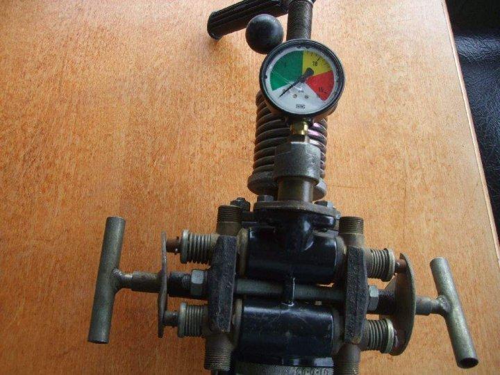 rozdzielacz-4-sekcyjny-opryskiwacza-pilmet-3977714888.jpg