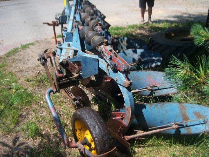 400596311_4_1000x700_plug-4-skibowy-overum-rolnictwo.jpg