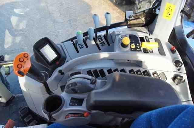 maszyny-rolnicze-traktor-kolowy-new-holland-t7-185---7_big--12122922061534730000.jpg